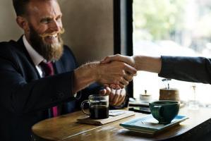 Dlaczego warto prowadzić biznes w Internecie